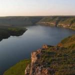 Такая панорама Днестровского каньона открывается недалеко от границы с Молдовой