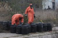 На Донеччині ймовірний хімічний Чорнобиль. МНСники звільняються через страх