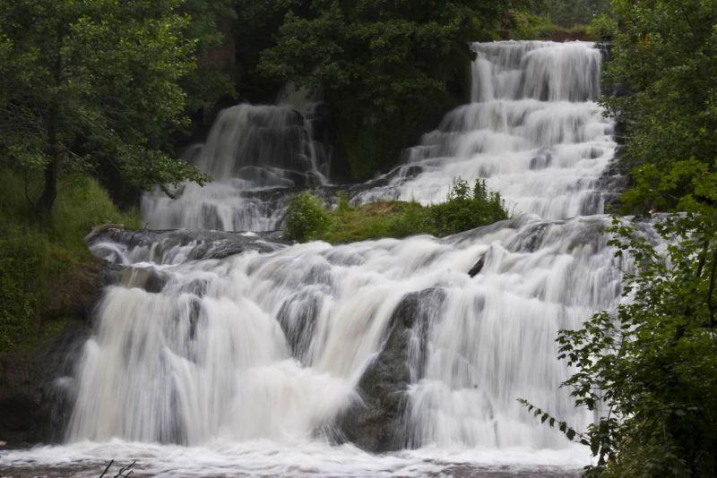 Джуринський (Червоногородський) водоспад (с. Нирків, Тернопільська обл.)
