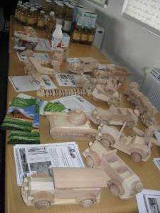 дерев'яні іграшки та інше