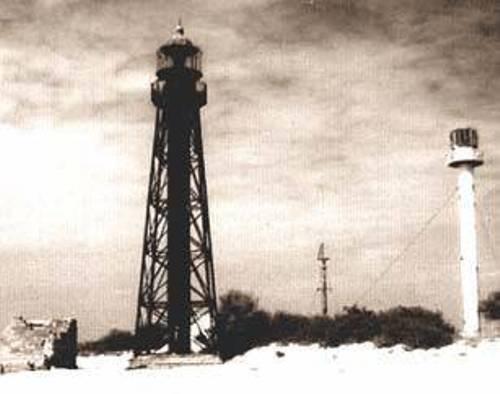 Рис. 5. Історична пам'ятка острова Джарилгач – старовинний маяк 1902 р. (Фото з http://www.nokiatrendslab.com.ua/news/16040),